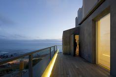Image 44 of 44 from gallery of Warborn Apartment / Caiano Morgado Arquitectos Associados. Seaside Apartment, Duplex Apartment, Outdoor Spaces, Outdoor Decor, Desert Homes, Exterior, Places Of Interest, Interior Architecture, Facade