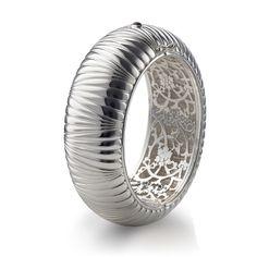 monica-rich-kosann_geometric-patterned-wide-silver-cuff_large.jpeg (480×480)