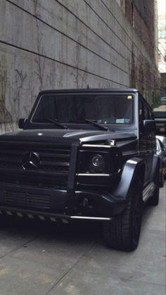 Dream cars jeep mercedes benz g class 70 ideas Mercedes Auto, Autos Mercedes, Mercedes Benz C300, Mercedes G Wagon, Bmw Autos, Mercedes Benz G Class, Benz Car, Mercedes Black, M Bmw