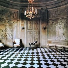 Ph by J Unis. Oval lobby of the Galerie d'Hercule of Hotel Lambert, Ile Saint Louis, Paris