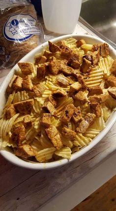 En utomordentligt god chipsgratäng. Chicken Recipes, Chicken Meals, Dessert For Dinner, Recipe For Mom, Foods To Eat, Different Recipes, Food For Thought, Food Inspiration, Love Food