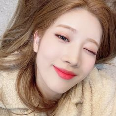 South Korean Girls, Korean Girl Groups, Loona Kim Lip, Wattpad, Kim Jung, Olivia Hye, These Girls, Cool Girl, Lips