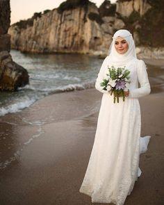 It was like a dream. Malay Wedding Dress, Muslim Wedding Gown, Hijabi Wedding, Wedding Hijab Styles, Muslimah Wedding Dress, Muslim Wedding Dresses, Elegant Wedding Dress, Bridal Dresses, Bridal Hijab