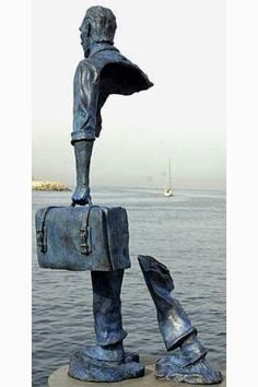 "The backside of famous statue ""Le Grand Van Gogh"" by French sculptor Bruno Catalano. Street Art, Blog Art, French Sculptor, Art Sculpture, Land Art, Art Plastique, Public Art, Oeuvre D'art, Installation Art"
