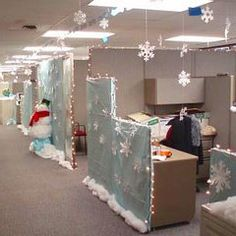 Cubicle Decorating for the Holidays!  Boost Office Moral! #Christmas #Holiday