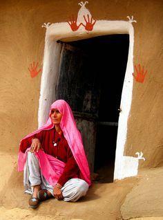 Rajasthani woman in Color door-2 - Bikaner, Rajasthan - where Sukhi artisans make amazing rugs http://www.sukhirugs.com/india.html