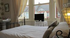 The Warwick Guesthouse - Margate - http://www.aroundmargate.co.uk/margate-guest-houses/the-warwick-guest-house-margate/