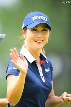 キム・ハヌル | 女子プロ写真館 | スマイル編(NO.46070) | ゴルフのポータルサイトALBA.Net Sexy Golf, Ladies Golf, Golfers, Lady, Style, Fashion, Hs Sports, Swag, Moda