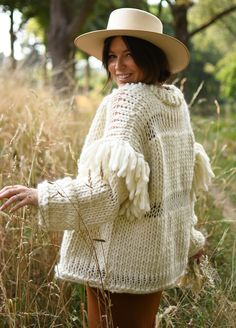 Wooden Knitting Needles, Knitting Kits, Yarn Colors, Knit Cardigan, Lana, Cowboy Hats, Knit Crochet, Tie Dye, Hand Painted