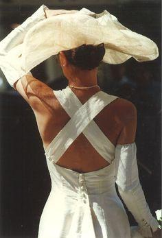 Robe de mariée en soie sauvage couleur ivoire d'occasion