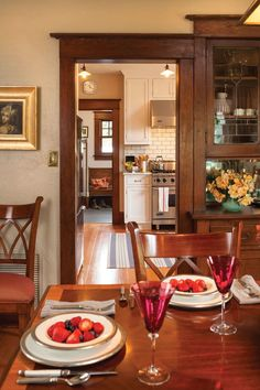 Restored Craftsman House Simplified - Restoration & Design for the Vintage House Craftsman Dining Room, Craftsman Farmhouse, Craftsman Home Interiors, Bungalow Interiors, Craftsman Interior, Modern Craftsman, Bungalow Homes, Craftsman Kitchen, Craftsman Style Homes