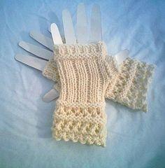 0014 CarussDesignZ Winter White Open Lace Knit Crochet Fingerless Gloves Pattern