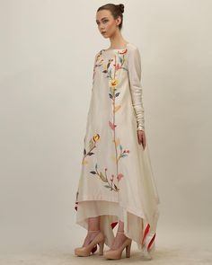 Silk kurti - Cool and vivacious shades for the summer! Come and explore the trendiest and most stylish pret arrivals at SAMANT CHAUHAN STUDIO Contact… Embroidery Suits Design, Embroidery Fashion, Embroidery Dress, Ribbon Embroidery, Stylish Dresses, Casual Dresses, Fashion Dresses, Dresses Dresses, Indian Designer Outfits
