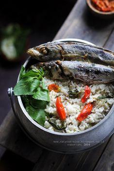 NASI LIWET SUNDA - catatan-nina Nasi Liwet, Nasi Goreng, Indonesian Cuisine, Happy Kitchen, Cooking Recipes, Healthy Recipes, Rice Dishes, Food For Thought, Street Food