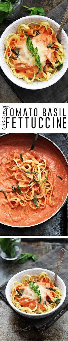 fettuccine con cremosa de tomate y albahaca