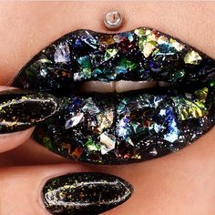 """""""look at this insane holographic lip art created by @missjazminad ✨ she used @jeffreestarcosmetics black #velourliquidlipstick as the base  (coming out…"""""""
