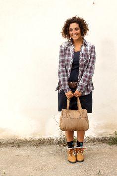 bonprix fall fashion, curvy fashion bonprix, moda autunno bonprix, how to wear a lbd, casual little black dress, little black dress tartan shirt, casual shirt, lace panels shirt,