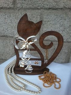 Hey, I found this really awesome Etsy listing at https://www.etsy.com/uk/listing/478492580/stand-for-jewelry-cat-jewelry-organizer