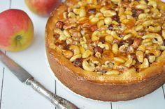 Appel notentaart, de klassieke appeltaart krijgt een upgrade in de bakbijbel van Rutger van den Broek, met amandelspijs, nootjes en een laagje abrikozenjam