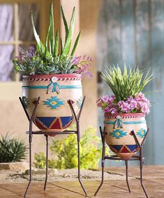Set of 2 Southwest Garden Planters from Collections Etc.paint my Terra cotta pots Southwestern Home, Southwest Decor, Southwestern Decorating, Southwest Style, Southwestern Outdoor Decor, Native American Decor, Native American Pottery, Deco Zen, Santa Fe Style