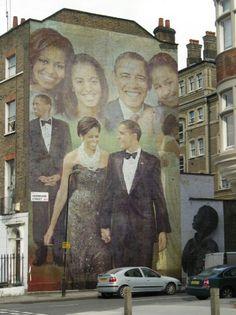 President Barak Obama With 1st Lady Michelle Obama With Daughters Malia  Sasha..