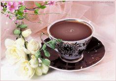AFİYET OLSUN ☕  Sıkıntı yok Kış geldiyse Telvede her zaman bir umut saklıdır Usulca yudumlanırken kahve Dudaklardan gönüllere yayılan sıcak bir bahar vardır.