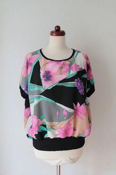 Vintage Shirt  1980s Blouse  Léonard & von PaperdollVintageShop, €29.90