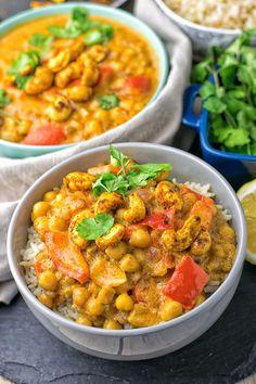 Lentil Chickpea Yellow Curry | #vegan #glutenfree #contentednesscooking