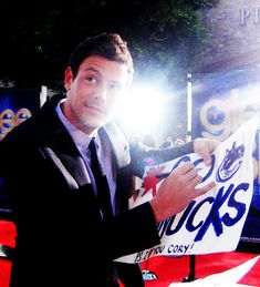 Like an archive with pictures and gifs of the glee cast. (pics/gifs are NOT mine💋) Cory Glee, Glee Cory Monteith, Lea And Cory, Glee Cast, It Cast, Finn Hudson, Casting Pics, Brenda Song, Rocky Horror