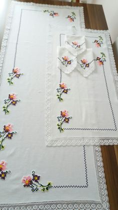 This Pin was discovered by Han Tambour Embroidery, Cross Stitch Embroidery, Hand Embroidery, Home Decor Hacks, Creative Embroidery, Quilting, Machine Embroidery Designs, Crochet, Hand Sewing