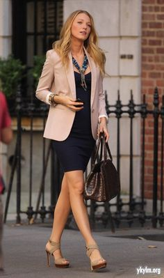 "Blake Lively Photos - Blake Lively in a beige blazer and navy blue dress as she films a scene for ""Gossip Girl"" on the front steps of a building in NYC. - Blake Lively Films in New York Fashion Mode, Office Fashion, Work Fashion, Fashion Outfits, Fashion Brands, Womens Fashion, Business Outfits, Business Fashion, Business Attire"