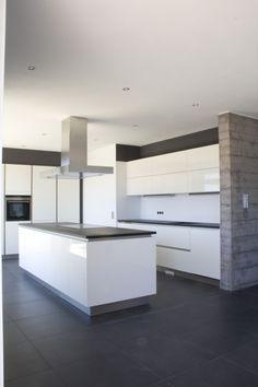 Image 2 - Haus_F new single family house Kitchen Cabinets Models, Kitchen Ornaments, Narrow Kitchen, Küchen Design, Glass House, Scandinavian Style, Home Furnishings, Home Furniture, Kitchen Decor