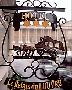 Un Hotel Sign: Paris, France sign