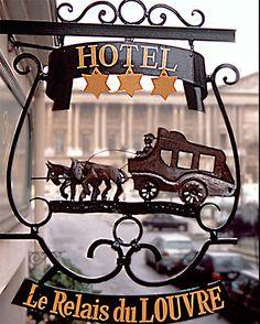 Borja: rótulo hotel Paris
