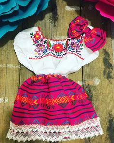 Delicate hand embroidered fiesta Mexican Outfit perfect for any occasion. Fits true to size This store is part of Frida Kahlo Store in Etsy! Toddler Girls, Toddler Outfits, Girl Outfits, Cute Outfits, Fashion Outfits, Fiesta Outfit, Mexican Outfit, Mexican Embroidered Dress, Boho Shorts