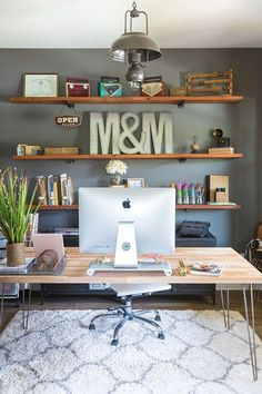 How to Build Industrial Wood Shelves. DIY home decor office shelving for your next house project. Wood, wooden #Modernhomeofficestyling #diyhomedecor