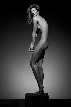 Gisele Bündchen Full Nude for Vogue Brasil May 2015 Gisele Bundchen, Photos Fitness, Corps Parfait, Vogue Brazil, Klum, Tips Belleza, Nude Photography, Mannequins, Human Body