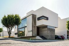 Resultado de imagen para fachadas de casas en esquinas #casasmodernasinteriores