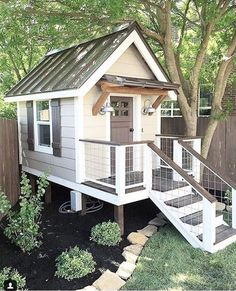 Are you planing make some a backyard shed? Here we present it to you 50 Best Stunning Backyard Storage Shed Design and Decor Ideas. Backyard Playhouse, Build A Playhouse, Backyard Playground, Backyard For Kids, Playhouse Ideas, Playground Ideas, Cozy Backyard, Backyard House, Outdoor Playhouses
