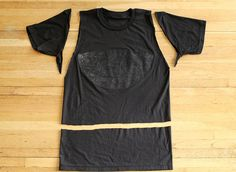 how to re-size a t-shirt by #skunkboycreatures