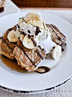 reminds me of the dreamy french toast at Breadwinners! >>>Banana Bread French Toast via Sweet Eats Breakfast Desayunos, Breakfast Recipes, Dessert Recipes, Desserts, Breakfast Ideas, Perfect Breakfast, Brunch Ideas, Brunch Recipes, Banana Bread French Toast