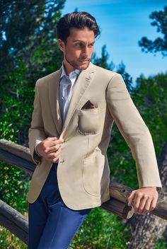 Men Style Casual, Gq Mens Style, Gq Style, Casual Looks, Mens Blazer Styles, Mens Fashion Blazer, Suit Fashion, Tan Blazer Outfits, Work Outfits