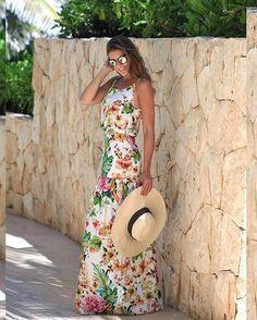 Para finalizar! Vestido @anahovastore  Apaixonada pelo modelo e pela estampa!! A cara do verão né?!  • #lookdodia #lookoftheday #ootd #cancun #ferias #blogtrendalert