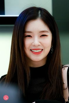 Amazing Women, Beautiful Women, Cute Wallpapers Quotes, Redvelvet Kpop, Teen Celebrities, Red Velvet Irene, Korean Actresses, Seulgi, Ulzzang Girl