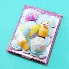 Compact mirror. #cabochon #marshmallow #decoden #cookie #resin #icecream #star #cuteart #charms #rainbow #miniatures #cake #frosting #icing #whippedcream #スイーツデコ #pastel #sweetsdeco #resinart #kawaiiart #fairykei #japanesecandy #birthdaycake #compact #kawaii #makersgonnamake #mirror #handmadewithlove #resinpieces #樹脂