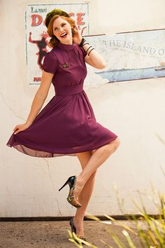 Darling fit and flare dress http://rstyle.me/n/iccpdnyg6