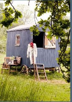 Tiny house, living in a small space, plans, interior cottage DIY, modern small house on wheels- Tiny house ideas Small Houses On Wheels, House On Wheels, Tiny Houses, Gypsy Caravan, Gypsy Wagon, Glamping, Caravan Living, Stove Installation, Build Your House