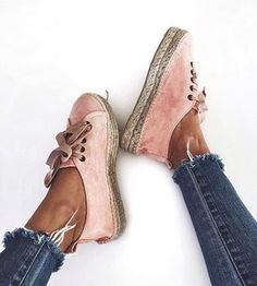 PRE-ORDER ALERT ✨ get ready summer girls: the pastel rose #sneakers will be back for pre-order soon!! So that you can get them right for summer ☀️ www.manebi.eu
