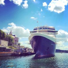MS Eurodam, a Signature class cruise ship for Holland America Line, currently in Oslo. She is the largest Holland America Line ship to date Holland America Cruises, Holland America Line, Med Cruises, Cruise Scrapbook, Extra Mile, Our Solar System, Alaska Cruise, Oslo, Iced Coffee