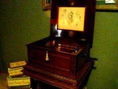 Antique Regina Music Box -- Edelweiss (Sound Of Music) (Such amazing sound!)